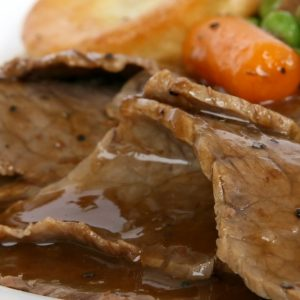 Bayway Catering Roast Beef With Gravy