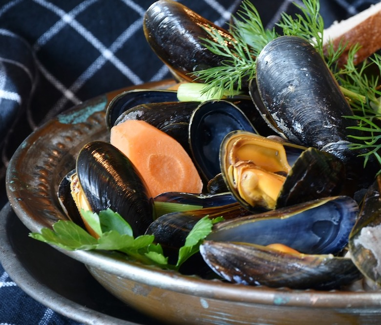 Bayway Catering | Mussels in white wine and garlic